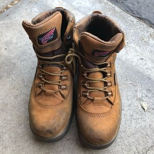 Red wing steel toe shoes